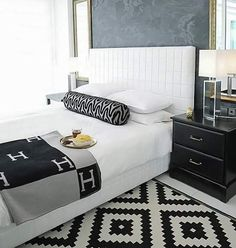 Black and White Room Decorations