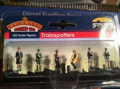 Trainspotters by Scenecraft & sold by Bachmann  Acquired 24/09/16 from Hattons Merseyside in the sales