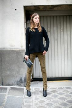 An effortless Fall outfit. #PFW #uggboot #ugg #boots #cozy #fashion @Gaby Molina