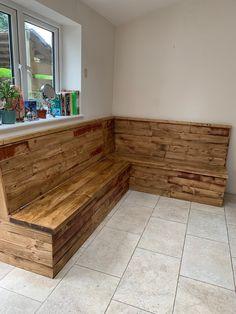 Corner Dining Bench, Small Kitchen Diner, Banquette Seating In Kitchen, Dining Room Bench Seating, Open Plan Kitchen Dining, Booth Seating, Dining Area, Kitchen Ideas, Kitchen Design