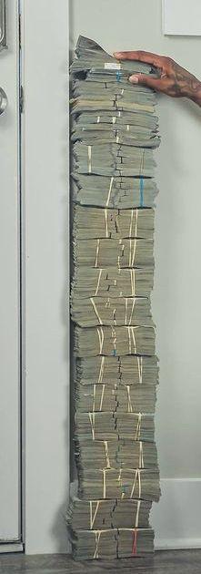 Money On My Mind, Make Money Today, How To Make Money, Money Pictures, Mo Money, Money Stacks, Money Spells, Work Motivation, Billionaire Lifestyle