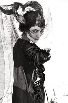 Source: Photographer: Gregory Regini I love the expression, and the costume and the horns! The horns! Art And Illustration, Wave Gotik, Mode Sombre, Art Photography, Fashion Photography, Mode Costume, Demon Costume, Cosplay, Dark Beauty