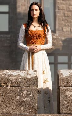 "The Top 30 Dresses Queen Mary Wore On The CW's ""Reign"""