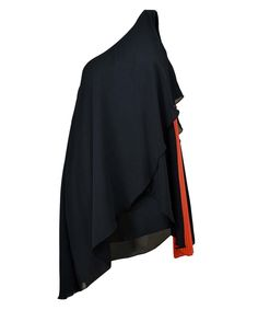 http://www.revolves.gr/shop/access-spell-μπλούζα-μαύρο-5052/