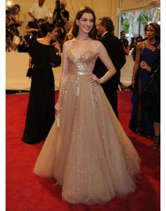 my anne hathaway fav dress