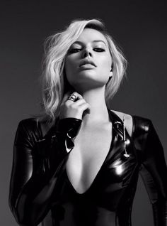 Margot Robbie in latex