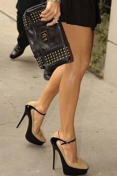 Love this nude and black combo! Classy and sassy :)