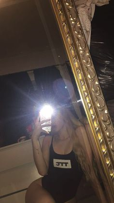 Pin by Layla ♡ On Mirror Selfie Selfie Poses, Cute Girl Photo, Girl Photo Poses, Girl Pictures, Girl Photos, Shotting Photo, Photographie Portrait Inspiration, Snapchat Girls, Mirror Pic