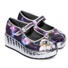 - Printed fabric upper and wedge. Fabric inner - Synthetic rigid wedge (not flexible) - Non marking rubber sole - Cushioned inner sole (no arch support) - Platform height: 2.2 inches (5.5 cms) - Check