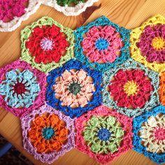 #Crochet hexagon flower free pattern from Sucrette