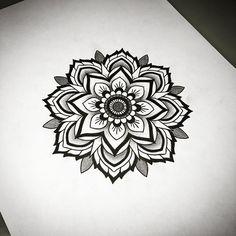 Mandala drawing by Louise Emilia Kock - Tatuering Dotwork Tattoo Mandala, Mandala Flower Tattoos, Flower Tattoo Drawings, Tatoo Art, Diy Tattoo, Body Art Tattoos, Elbow Tattoos, Knee Tattoo, Mandalas Painting