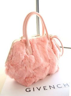 handbags pink and fluffy