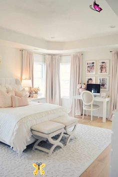 Elegantes weißes Hauptschlafzimmer & errötende dekorative Kissen, #Bedroom #bestbedroomdecorinteriord … – Ramsey Tormen my blog well come <br>
