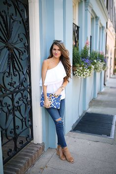 one shoulder ruffle top + AG jeans + beaded embroidered clutch + wedge sandal One Shoulder Ruffle Top, One Shoulder Tops, Spring Summer Fashion, Spring Outfits, Autumn Fashion, Summer Outfit, Sexy Outfits, Cute Outfits, Southern Curls And Pearls