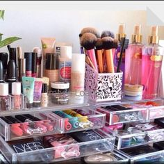 Makeup organizer. Now that i am expanding my makep collection, I might need to invest in one of these.