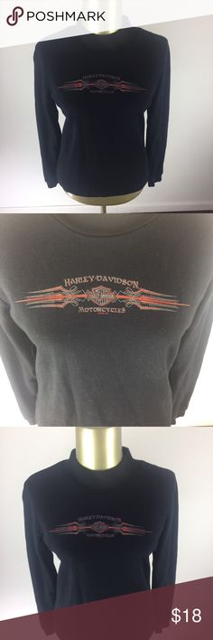HARLEY DAVIDSON MOTORCYCLES Graphic Logo Black This is a nice and comfortable HARLEY DAVIDSON MOTORCYCLES Graphic Logo Elk River, Minnesota Black Turtleneck Shirt Women's Size Large  Brand: HARLEY DAVIDSON MOTORCYCLES Style: Graphic Logo Elk River, Minnesota Black Turtleneck Shirt  Color:Black Size: L Measurements: Please see photos Material: 100% Cotton Condition: Excellent pre owned gently used condition with minimal signs of wear and tear as seen in images. Harley-Davidson Sweaters Cowl…