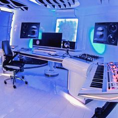 After seeing this post, we hope that you can find several ideas for decorating your game room, your bedroom, or anything. You need to keep in mind that the decoration should fill your need and shows your character. Music Studio Decor, Home Recording Studio Setup, Home Studio Setup, Studio Desk, Home Studio Musik, Audio Studio, Home Music Rooms, Gaming Room Setup, Pc Setup