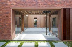 House H / dmvA Architecten