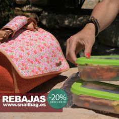 ¡Últimos días de rebajas! Snailbag Amaia Mango ahora sólo 22,40 euros. Sólo hasta el 15 de febrero de 2015. ¡Comer de tupper está de moda! #rebajas #sale #Snailbag #lunchbag #tuppertime #moda #chic #handmade #MadeInSpain #ShopOnline http://www.snailbag.es/shop/bubolic-vs-navy/bolsa%20porta%20alimentos%20isotermica%20para%20tuppers/bolsa-isotermica-porta-alimentos-snailbag-amaia-mango/