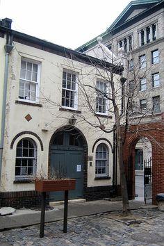 NYC - Greenwich Village: Washington Mews - Deutsches Haus