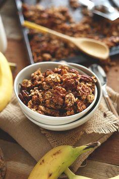 Banana Bread Granola | Minimalist Baker Recipes