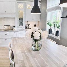 By / bildet tilhører: @allymary80 ▪️ #onetofollow #love #TagsForLikes #instagood #interior #like #follow #cute #photooftheday #followme #maison #details #beautiful #personal #picoftheday #instadaily #rooms #house #view #amazing #fashion #colorful #style #instalike #bestoftheday #homes #decor #intérieur #interiordesign #instamood  Kidsinspiration ►  @kidzinteriors @kidzinteriors --------------------------------------------