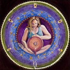 A Mandala pode ser definida como uma expressão de mudança, liberando energia e conduzindo a pessoa à percepção e visualização da fonte de energia dentro dela mesma.
