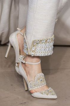 Pump detail at Georges Hobeika Haute Couture Fall - Moda Femminile Pumps, Pump Shoes, Shoe Boots, Shoes Heels, Georges Hobeika, Fashion Pants, Fashion Shoes, Fashion Clothes, Barbie Mode