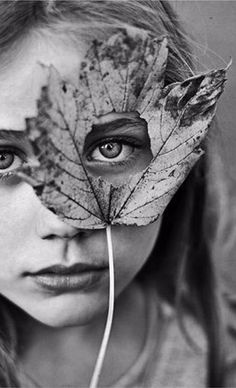 Photography Studio Poses Fine Art 58 Ideas For 2019 1015 Foto Portrait, Creative Portrait Photography, Autumn Photography, Girl Photography Poses, Artistic Photography, Fine Art Photography, Landscape Photography, Creative Self Portraits, Inspiring Photography