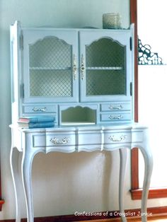 confessions of a craigslist junkie: A Frenchie Makeover desk.. Fabulous!