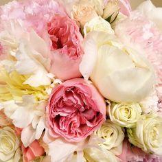Bouquet of peonies, garden roses and spay roses #weddingbouquet #weddingflowers #hawaiiwedding #flowersbyheidi #hawaiiflorist #lovepeonies