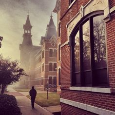 #Baylor looks pretty good in fog. (Via @bayloruniversity on Instagram)