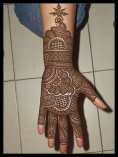 Are you looking for some fascinating design for mehndi? Or need a tutorial to become a perfect mehndi artist? Full Hand Mehndi Designs, Henna Art Designs, Mehndi Designs 2018, Stylish Mehndi Designs, Mehndi Designs For Girls, Mehndi Designs For Beginners, Mehndi Design Pictures, Dulhan Mehndi Designs, Wedding Mehndi Designs