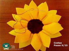 Eu Amo Artesanato: Flor Girassol em Feltro com molde Felt Flowers, Bouquet, Fruit, Crafts, Belem, Salvador, Sunflower Flower, Sunflower Party, Happy Bday Sister