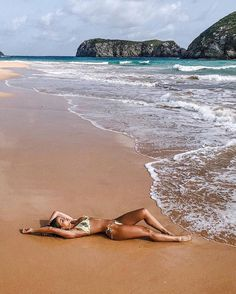 Fotografia de poses na praia Halloween Makeup halloween makeup jack o lantern Beach Photography Poses, Beach Poses, Beach Shoot, Summer Photography, Beach Girls, Beach Babe, Summer Beach, The Beach, Foto Dubai