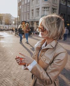 gold metallic jacket with white button down. Beautiful gold metallic jacket with white button down. - -Beautiful gold metallic jacket with white button down. Pictures Of Short Haircuts, Cute Short Haircuts, Short Hairstyles For Women, Thin Hairstyles, Hairstyles 2018, School Hairstyles, Natural Hairstyles, Haircuts For Over 50, Layered Bob Hairstyles