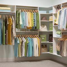 closet-organization-1216.jpg (skyword:376535)