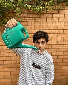 "alecgolinger's Instagram photo: ""#boy #soperastar #alec_golinger #alecgolinger #alec_golinger #Austuralia #alecgolinger #ale_cgolinger @alecgolinger 💫⭐"" Teen Boys, I Win, Help Me, In Ear Headphones, Singing, Life, Instagram, Over Ear Headphones"
