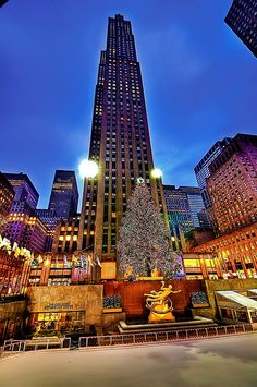 Rockefeller Center at ★Christmas★ in New York City