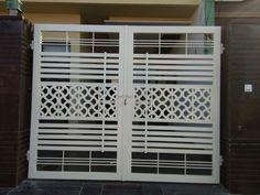 Balcony Railing Design, Fence Design, Gate Designs Modern, Modern Design, Main Gate, Front Gates, Grills, Iron, Doors
