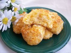 Easy cheese scones - in a hurry. Photo by Chef shapeweaver © Cheese Scones, Easy Cheese, Vegetarian Cheese, Cooking Recipes, Stuffed Peppers, Snacks, Breakfast, Breads, Lunch