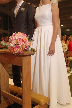 Resultado de imagem para vestido de noiva feito em costureira