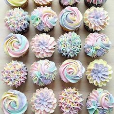 This Baker's Pastel Cake Creations Will Give You Magical Unicorn Vibes How to Make Unicorn-Inspired Cupcakes Pastel Cupcakes, Rainbow Cupcakes, Rainbow Food, Rainbow Icing, Rainbow Pastel, Pretty Cupcakes, Girl Cupcakes, Pastel Blue, Pastel Colors