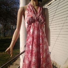 Harolds Peppermint Party Dress Like new, 100% poly, 100% silk lining Harolds Dresses Midi