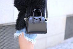 Givenchy Antigona mini. <3 You will be mine.