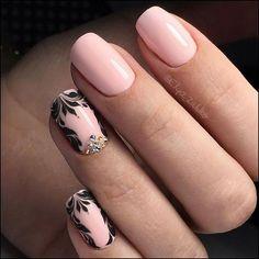 Nails PRO™