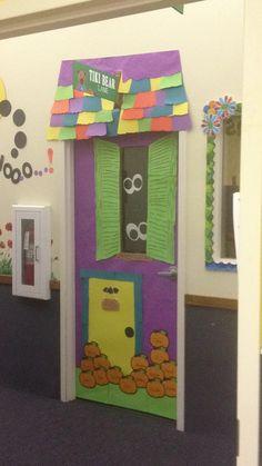 halloween door decorations | Halloween cute haunted house door | halloween ideas