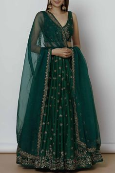 Buy this type of Lehengas and Dresses only on our website www. Call or whatsapp us on : 9924040197 Customization available on any order International Shipping avaialable Source by designerdesired dresses indian Indian Bridal Outfits, Indian Designer Outfits, Designer Dresses, Indian Fashion Designers, Party Wear Lehenga, Bridal Lehenga, Pakistani Bridal, Punjabi Wedding, Indian Lehenga