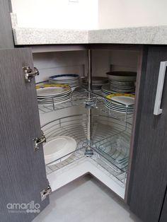 Gaveta en esquina cocina