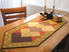 My daughter's table runner pattern! Isn't it beautiful! Free pattern! follow the links.